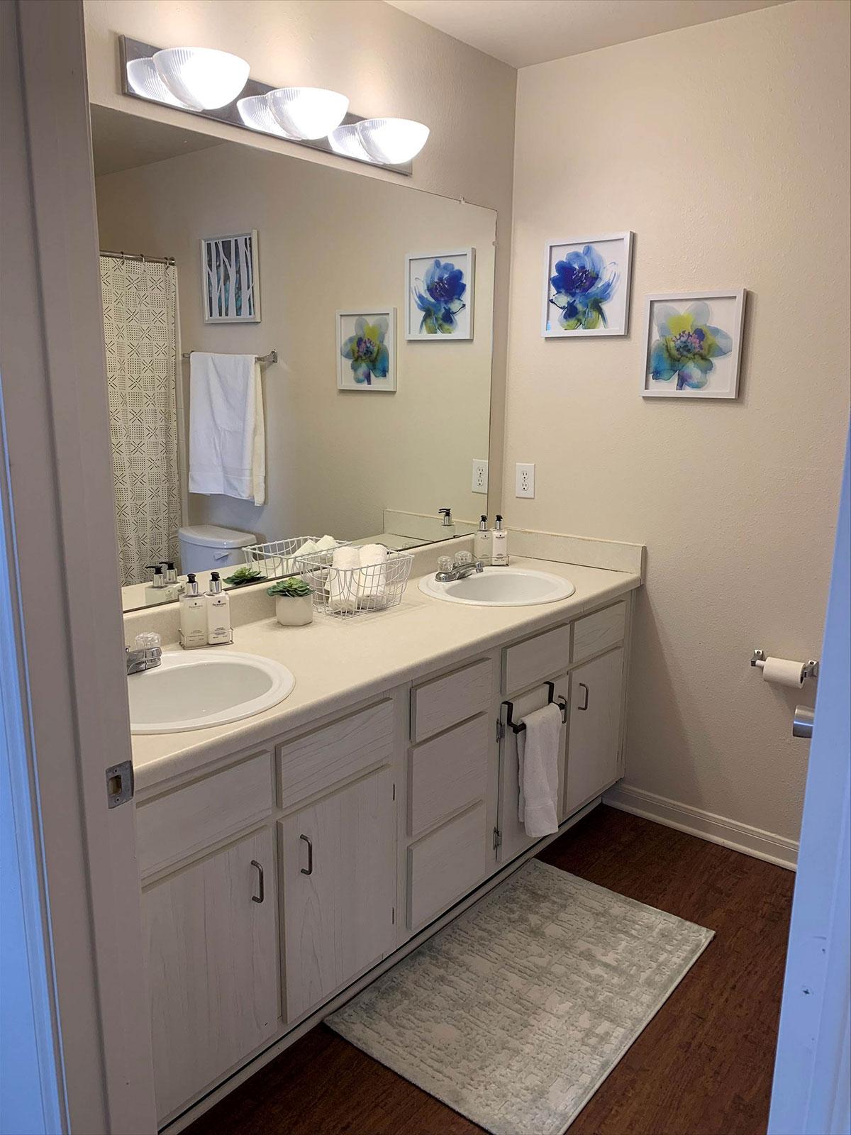 The Quarters Cedar Falls Bathroom